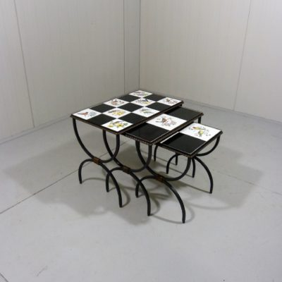 Nesting Tables Birds 1